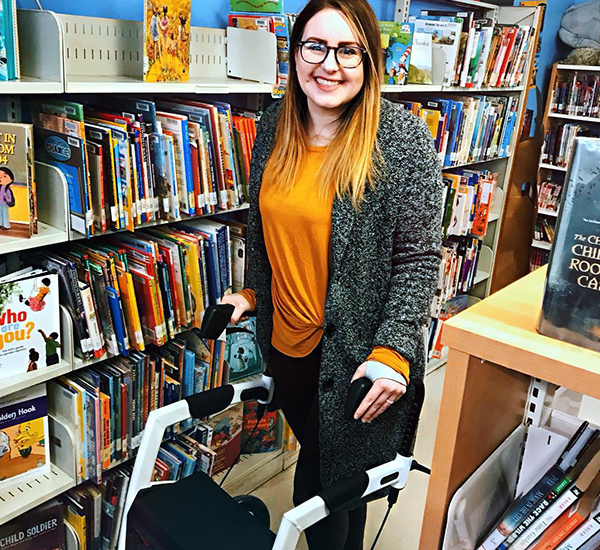 Woman with EDS reviews the rollator and wheelchair in one